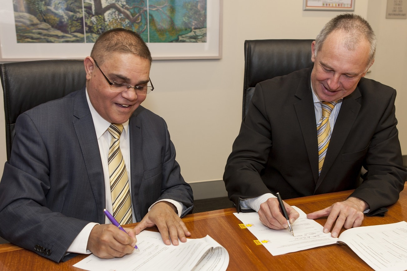 Secretary Gordon de Brouwer signing at Dept of Environment